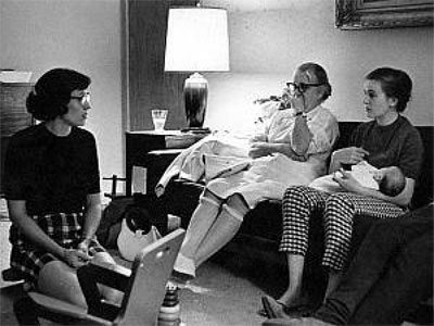 Ruth Paine, Marguerite Oswald, Marina Oswald with baby Rachel, on the Friday evening of the Kennedy assassination