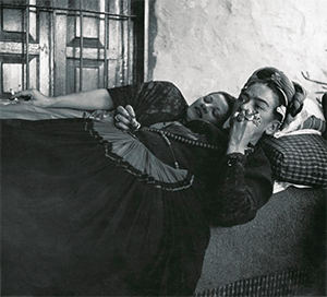 Teresa Proenza with Frida Kahlo, 1952